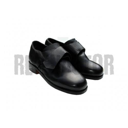 Dobová obuv pro důstojníky